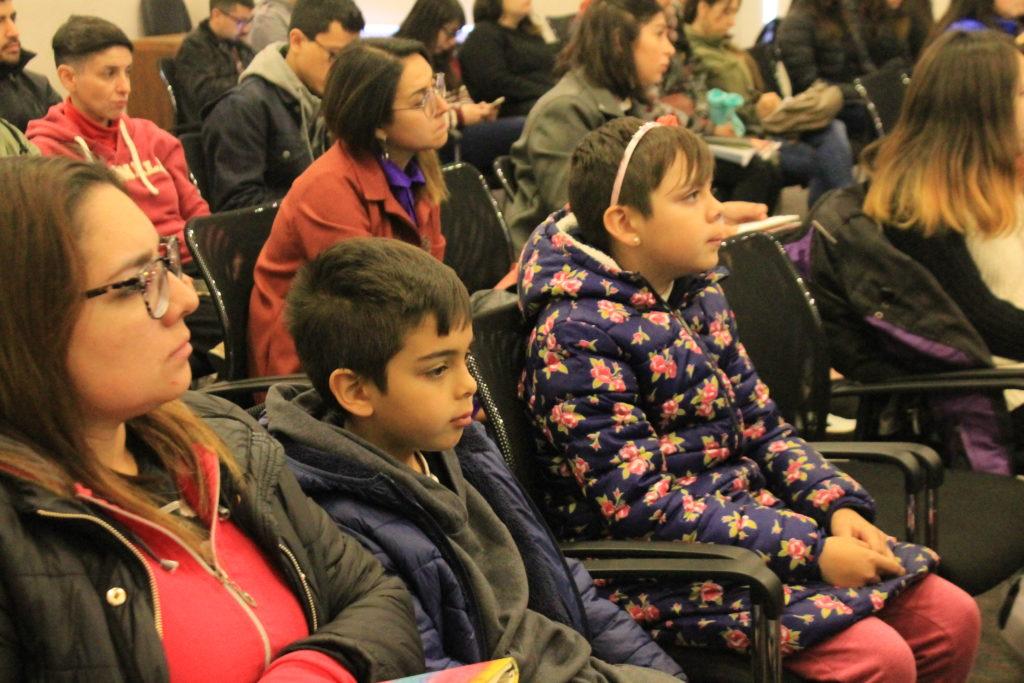 Asistentes de la primera Jornada de Salud Integral Trans en la Universidad de Chile.